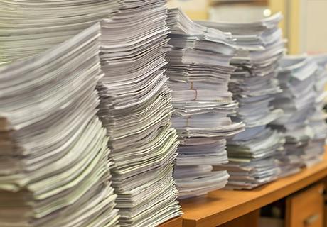 書類を探すのに時間がかかっている、管理に困っている